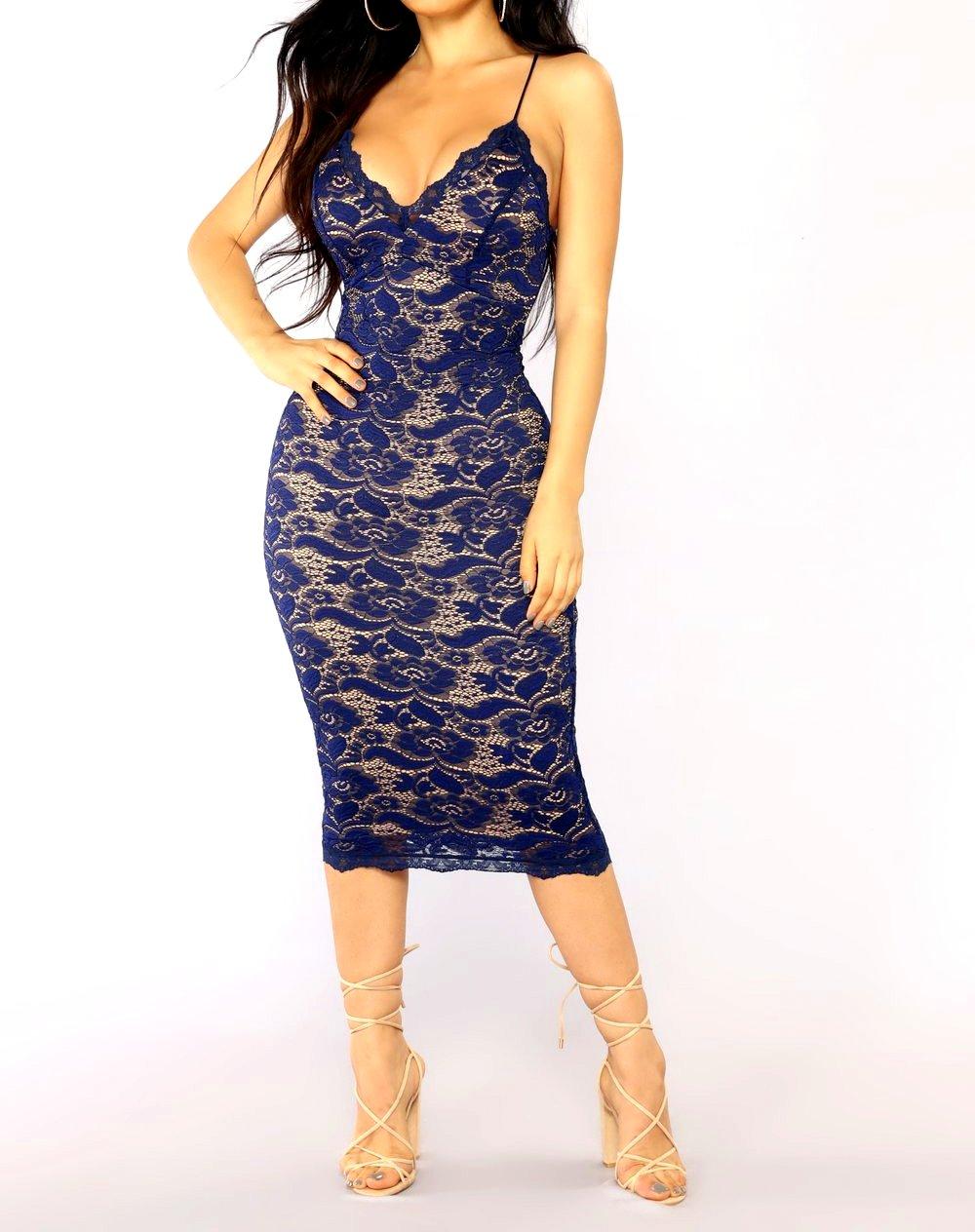 c70d8ca8171f Elegantní krajkové šaty na ramínka 8101055-3 modrá M   L