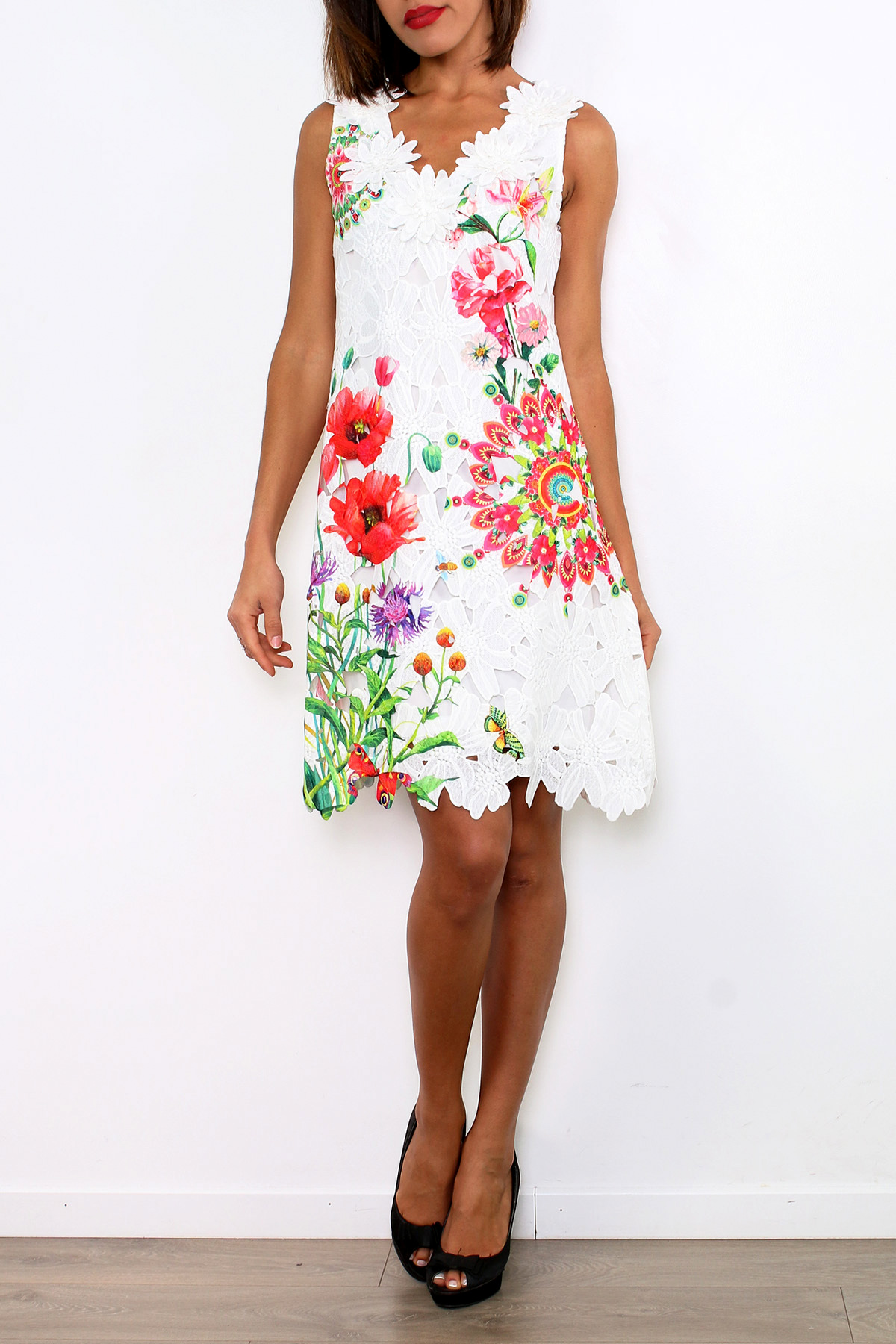 101 IDEES dámské krajkové ŠATY vzor Mandala Květy 331145-1 bílá S M  7987e9d274